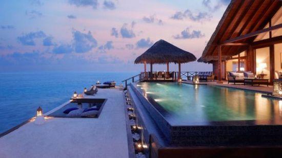 体会有钱人的假期!徜徉世界顶级泳池