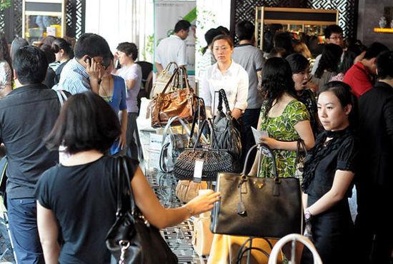 中国女性奢侈品消费者正影响全球市场
