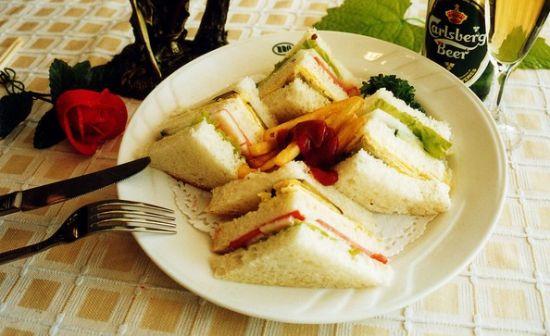 樱桃萝卜三明治