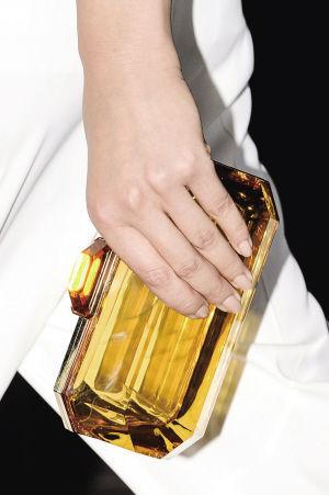 黄水晶色透明手包