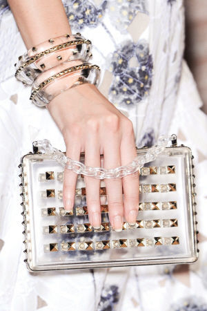 Valentino 铆钉硬盒手包