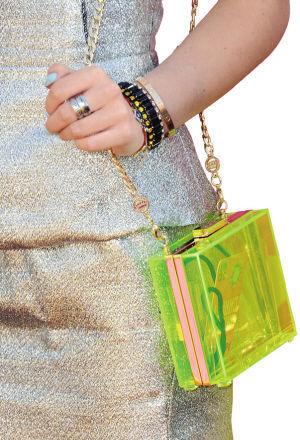 果绿色透明硬盒手包