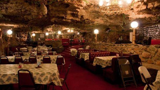 芬兰特色地洞餐厅