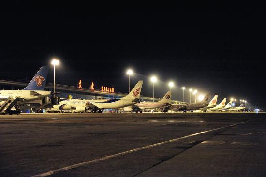 机场过夜飞机创纪录