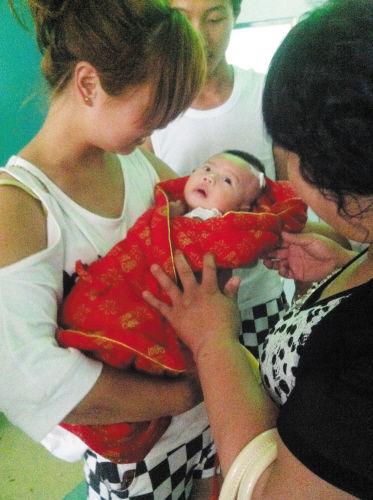 孩子平安出院。