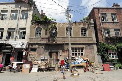 东关街危房不少 已被列入旧楼动迁改造计划