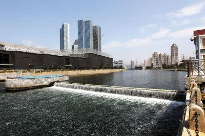 经治理马栏河成环境优美的城市观景带