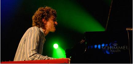 钢琴王子罗蒙来连巡演