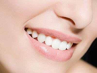 英牙科专家提醒:5个坏习惯很伤牙
